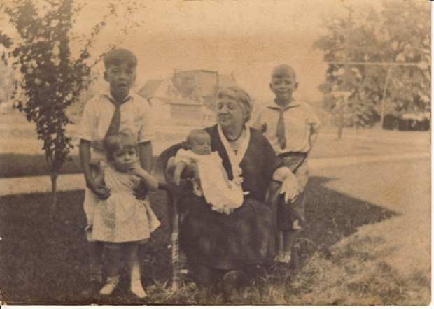 Sophie Newman with four Campbell grandchildren