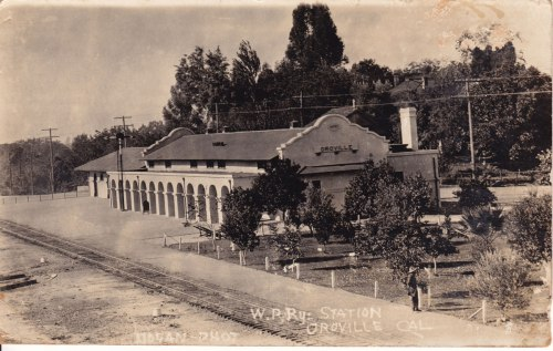 1922 postcard of train station in Oroville California